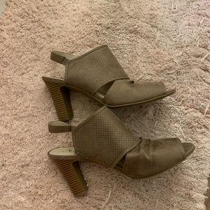 Life Stride Tan Heel Booties Size 10